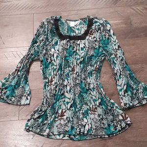 Christopher and banks ruffled flower 3/4 sleeve